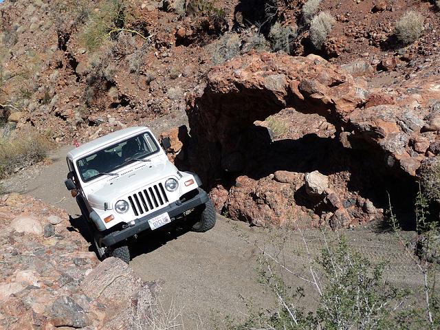 Arch in Chuckawalla Canyon (2242)