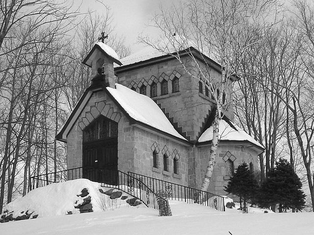 Tour St-Benoit de l'abbaye de St-Benoit-du-lac  /  Québec. CANADA - Février 2009   -  B & W