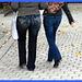 Lilette la pipelette / A street candid gift / Un cadeau de photo de la rue - Cadre bleu / Blue frame.