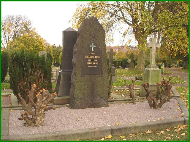 Cimetière de Helsingborg - Helsingborg cemetery - Suède / Sweden - Johannes & Erica Lund / 22 octobre 2008