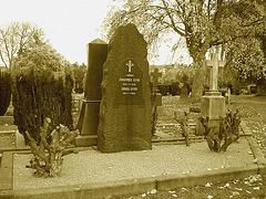 Cimetière de Helsingborg - Helsingborg cemetery - Suède / Sweden -- Johannes & Erica Lund. - Johannes & Erica Lund  / Sepia.