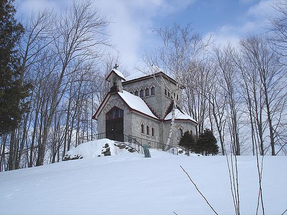 Tour St-Benoit de l'abbaye de St-Benoit-du-lac