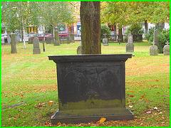 Cimetière de Helsingborg - Helsingborg cemetery - Suède / Sweden - Monument poêle- Stove gravestone / 22 octobre 2008