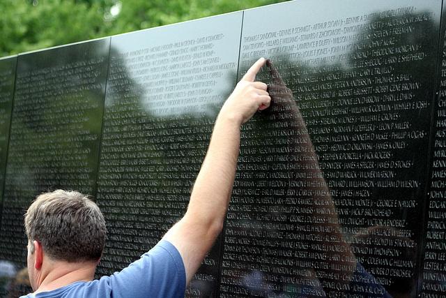 111.VietnamVeteransMemorial.WDC.23may08