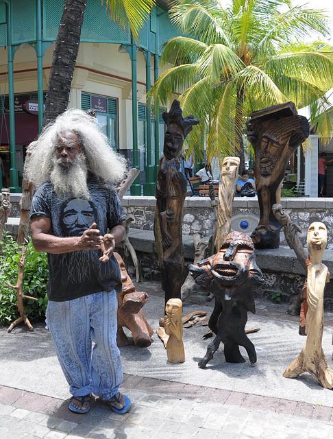 PEM, Sculptor Artist