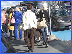 Mature in long pants and chunky heels - Mature en souliers à gros talons carrés