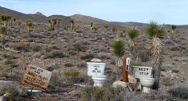 Desert Toilets (3473)