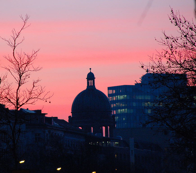 Hamburg bei Sonnenaufgang