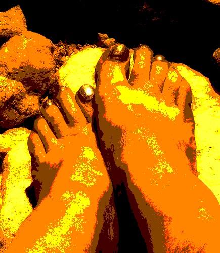Christiane, mon amie chérie avec permission / My beloved friend Christiane's golden feet with permission  - Reine aux Pieds d'or postérisés