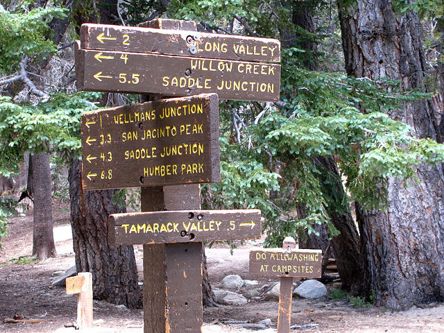 Signs at Round Valley (0464)