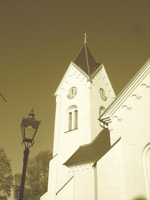Cimetière et église / Cemetery & church - Ängelholm.  Suède / Sweden.  23 octobre 2008- Sepia
