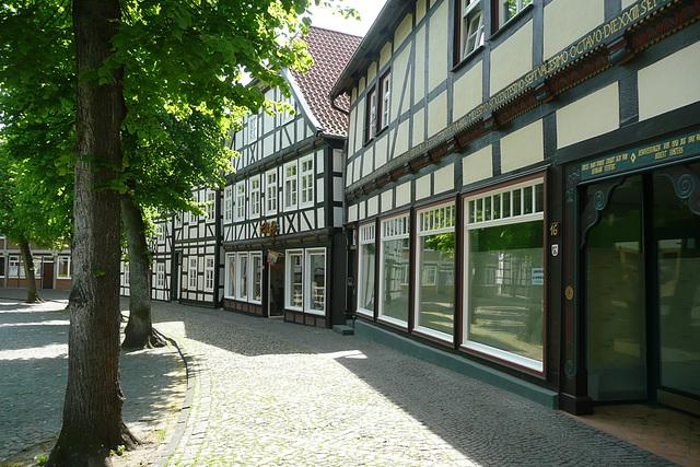 Häuserrunde um die Kirche in Delbrück - Westfalen