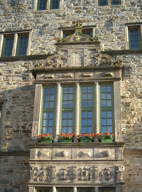 Old Oriel with typical crest on the market place in Rinteln