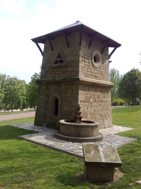 Logroño:Caseta en los jardines del Ebro.