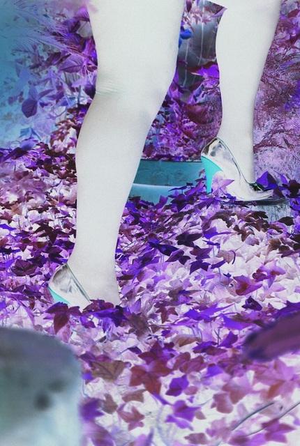 Mon amie Lady Roxy de l'Argentine avec permission / Jardinage en talons hauts - Gardening in high heels .  Effet de négatif