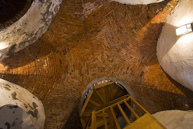 rotes Gewölbe im Siebenspitzenturm