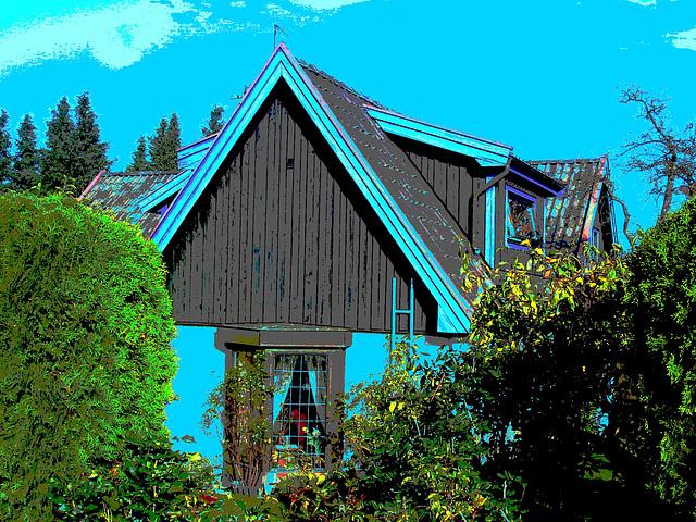Triangle et fenêtres parmi la verdure  /   Triangle and windows among the greenery - Båstad  /  Suède - Sweden.  Octobre 2008-  Postérisée + ciel bleu