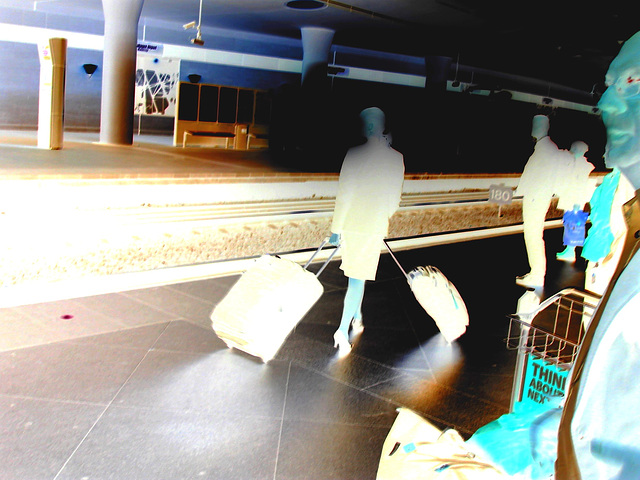 Blond flight attendant smoker in high heels shoes - Copenhagen train station airport  /  October 20th 2008 - Negative effect