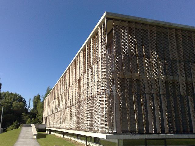 Escuela de Negocios en Huarte (Navarra).