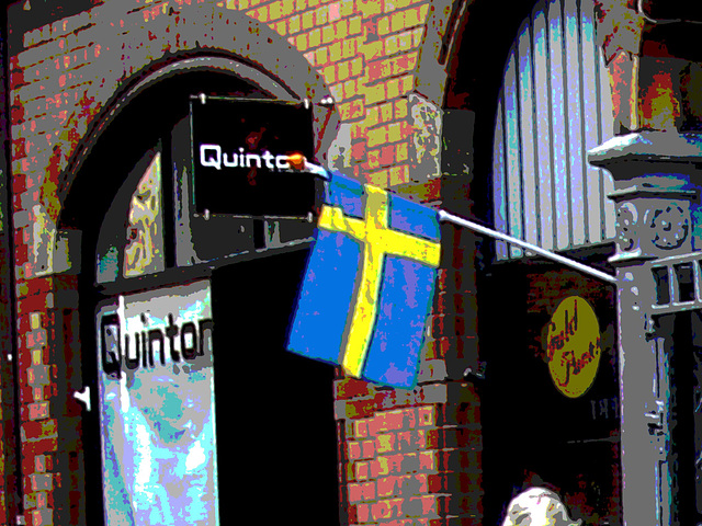 Façade et drapeau / Quinton flag façade  - Postérisation