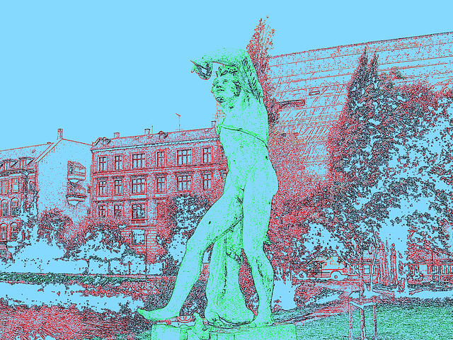 Exhibitionnisme statuaire -  Statuary exhibitionist - Copenhagen, Denmark .  20 octobre 2008 -  Bleu érotique