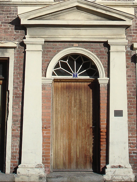 Typical Swedish door & windows - Porte & fenêtres typiquement suédoises /  Ängelholm - Suède / Sweden.   23 octobre 2008- Porte numéro 7.