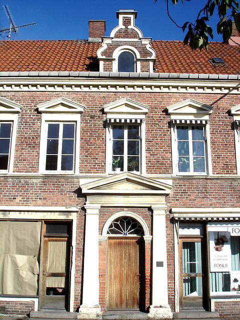 Typical Swedish door & windows - Porte & fenêtres typiquement suédoises /  Ängelholm - Suède / Sweden.   23 octobre 2008