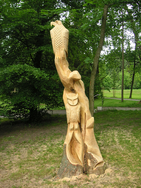 Holzskulptur - mit der Motorsäge gemacht