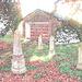 Cimetière et église / Cemetery & church - Ängelholm.  Suède / Sweden.  23 octobre 2008- Contours de couleurs / Colourful outlines