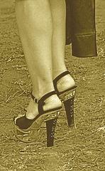 Mariage et Talons Hauts /  Wedding heels - February 2009 - Ipernity friend's gift - Sepia