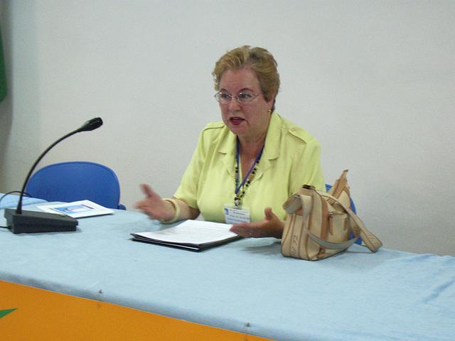 """Rafaela Urueña rakontas pri """"Kial partopreni la Eŭropan balotadon""""."""