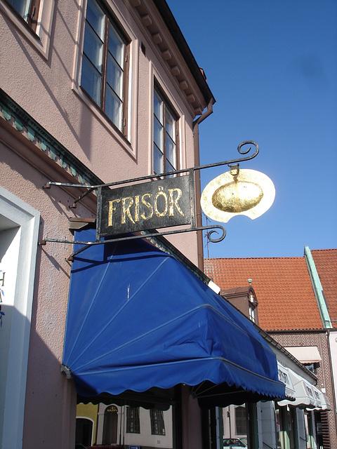 Enseigne publicitaire / Frisör sign -  Laholm / Sweden - Suède.  25 octobre 2008
