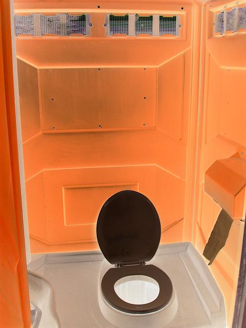 Paradis orange et trône blanc / Orange paradise and black throne -Hometown / Dans ma ville - Effet de négatif