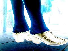 Mon amie Chris avec permission / New sexy shoes - Nouvelles chaussures /  Podoélégance Christianienne en effet de négatif.