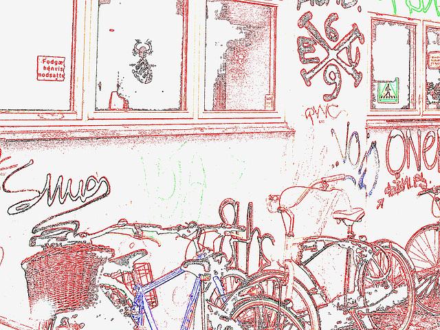 Graffitis Cykler et vélos / Cykler graffitis and bikes -  Copenhague  /   20-10-2008 - Contour de couleurs avec photofiltre.