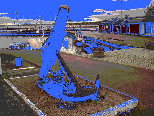 L'ancre de la chance -  Chance anchor -  Port de Båstad /  Suède - Sweden.    21-10-2008 -  Blue anchor- Ancre bleu