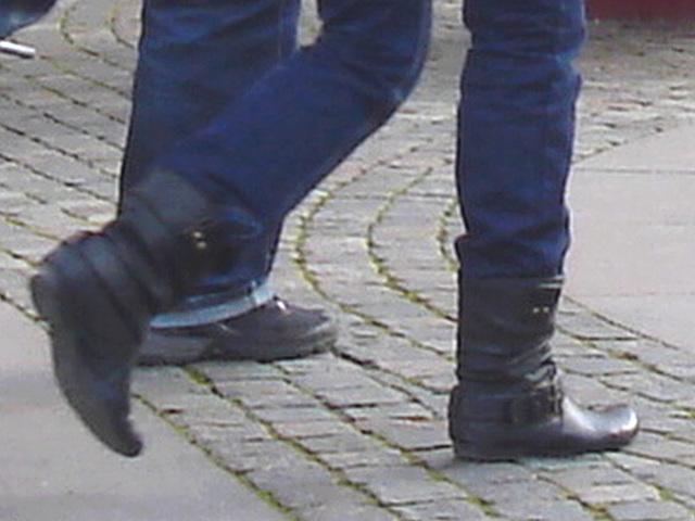 La fille ATG aux bottes sexy à talons plats / ATG Lady in flat sexy boots -  Ängelholm.  Suède / Sweden.  23 octobre 2008
