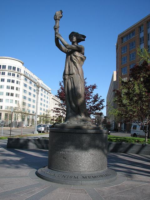 09.VictimsOfCommunismMemorial.WDC.12Apr09