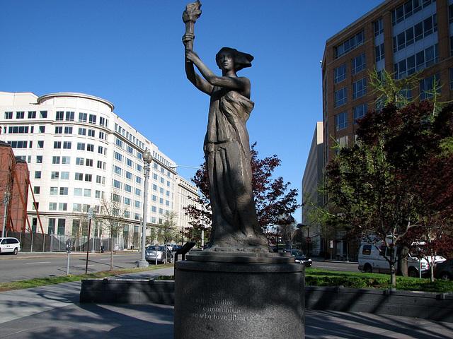 10.VictimsOfCommunismMemorial.WDC.12Apr09