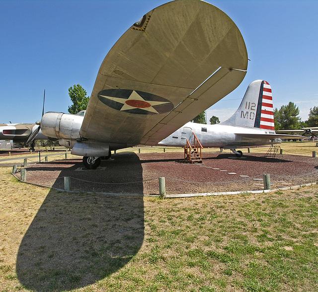 Douglas B-23 Dragon (8348)