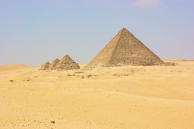 vue sur les Pyramides de Gisa (Giseh)