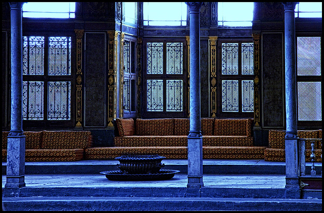 the blue harem room....