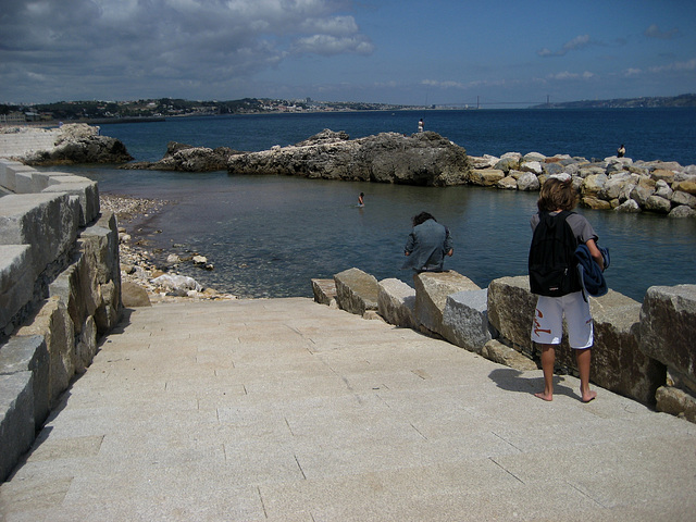 Oeiras, access to sea water (1)