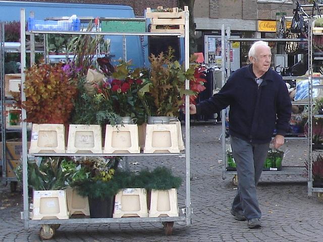 L' Homme et ses plantes - Fin d'un autre quart de travail / Ängelholm - Suède / Sweden - 23 octobre 2008