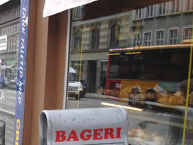 Bageri store window reflection  -  Copenhagen  /  October 20th 2008