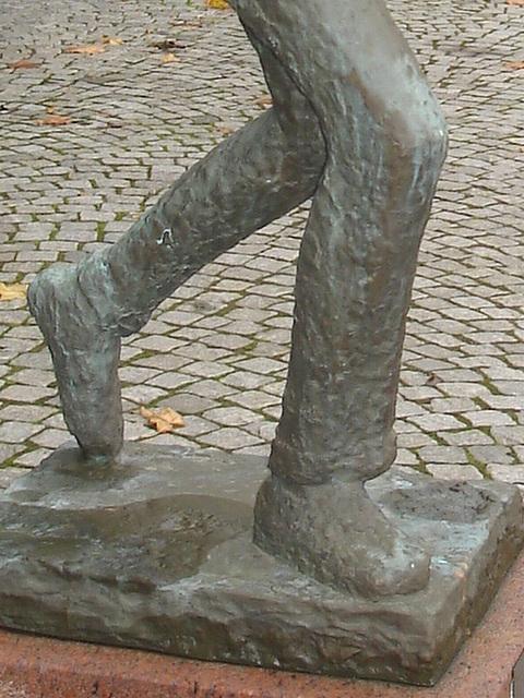 Sculpture d'un joueur de tennis / Tennisman sculpture.  Båstad - JEU DE PIEDS