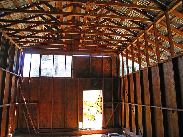 Nelson Cove Barn (2550)