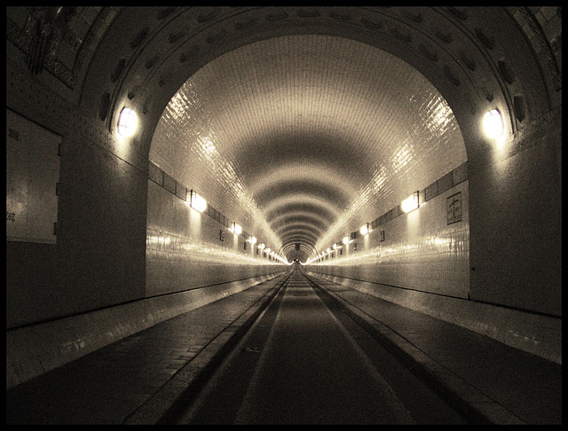 Alter Elbtunnel / Old Elbe Tunnel