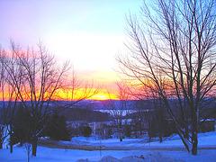 Lever de soleil sur l'abbaye de St-Benoit-du-lac /  Québec. CANADA -  7 Février 2009 -  Couleurs ravivées