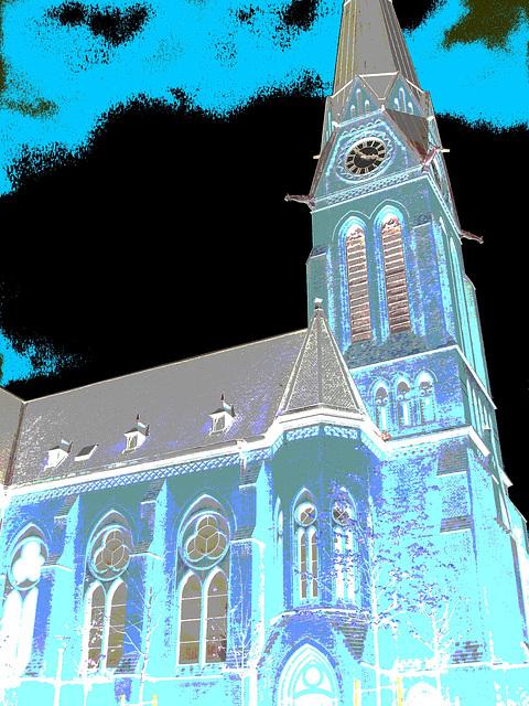 Helsingborg's church / Église psychédélique - Négatif postérisé